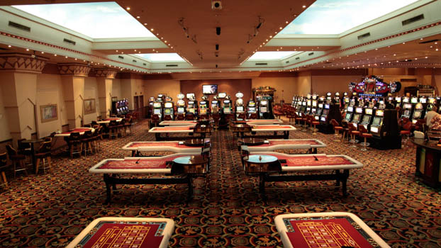 hotel casino golden palace san luis